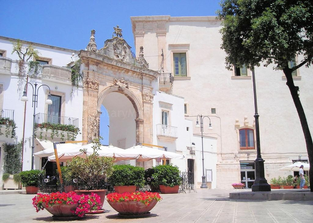 Restyling per l'Arco di Santo Stefano